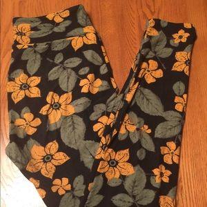 💚 OS LuLaRoe Leggings, Yellow Flowers